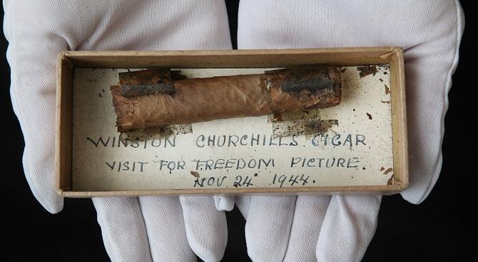 Недопушена пура на Чърчил от 1953 г. отива на търг