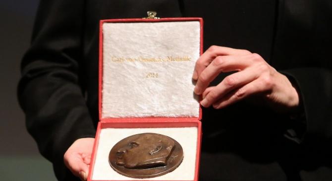 Тазгодишната Нобелова награда за химия е била връчена на разработчици