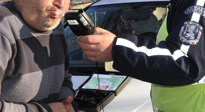 Само за денонощие в Сливенско: Спипаха двама пияни зад волана