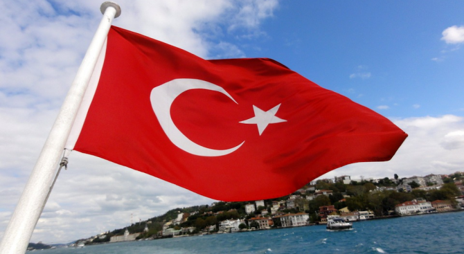 Турският външен министър Мевлют Чавушоглу вчера решително отхвърли критиките на