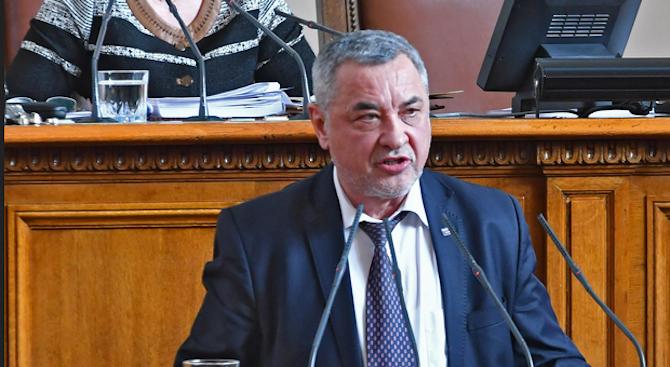 Задължително декларацията трябва да иска възстановяване на българските военни гробища