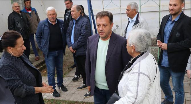 """Жители на Вонеща вода към Панов: """"Работете все така, другите нека обещават"""""""
