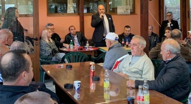 Кандидатът за кмет на Първомай Асен Кичуков се срещна с жителите на село Воден
