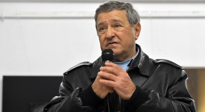 Проф. Боян Биолчев представи новия си роман в Русенския университет