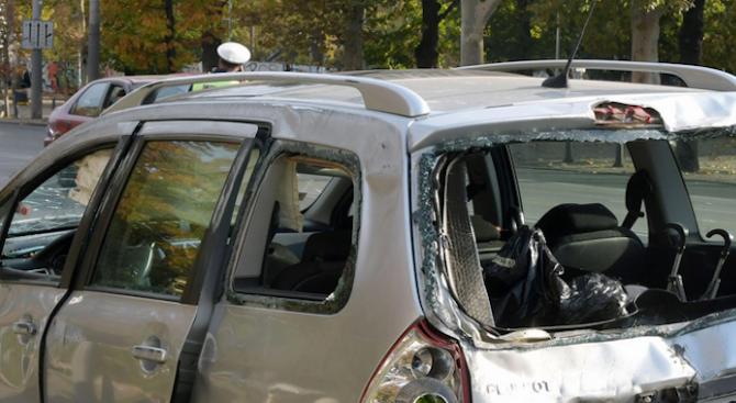 Пловдивчанин изпочупи паркирани коли
