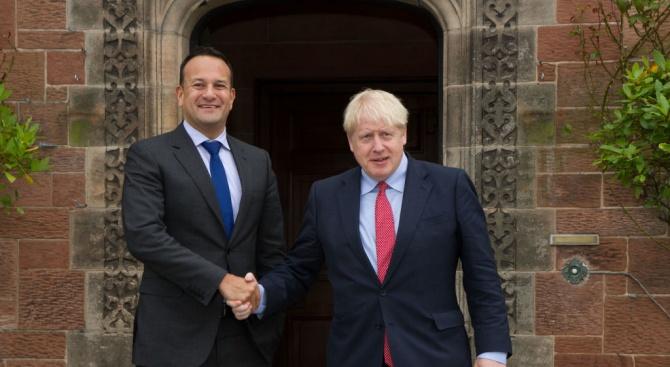 Великобритания предлага ограничено споразумение за свободна търговия за уреждане на въпроса с Брекзит