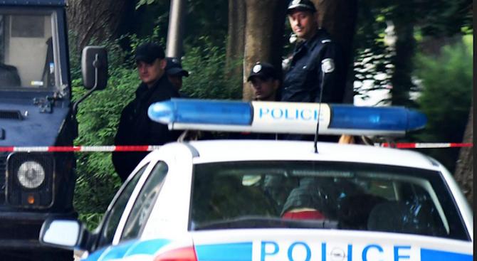 Хванаха 17-годишен дилър в Плевен