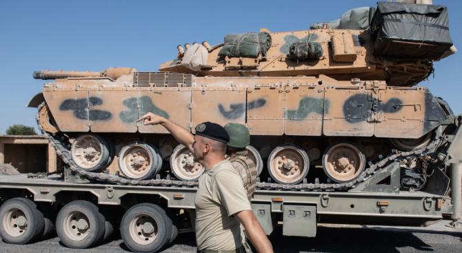 Франция обяви, че спира всички продажби на оръжия за Турция