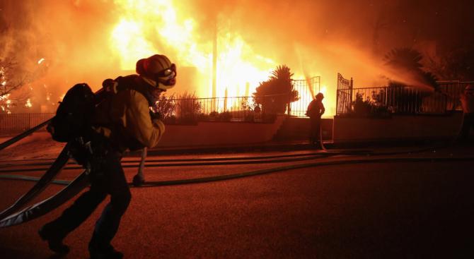 Трима души загинаха тази седмица при пожарите в Южна Калифорния,