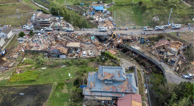 27 000 военни помагат за ликвидиране на последиците от тайфуна