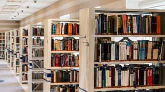 Библиотеката в Ловеч ще обнови фонда си