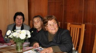 Жителите на Батановци благодариха на Вяра Церовска за благоустрояването на града