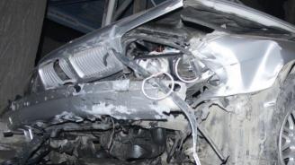 Пиян шофьор помете паркирана кола в Лом и избяга