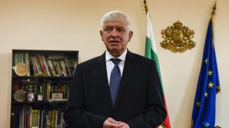 Министър Ананиев разговаря със студенти по медицина и специализанти