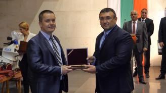 Цацаров, Гешев и Маринов наградиха прокурори и полицаи за отлична работа по знакови дела