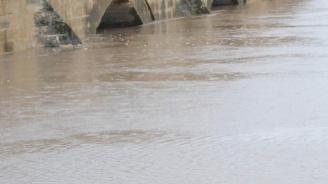 В Ямбол започва почистването на бетонирания участък на река Тунджа
