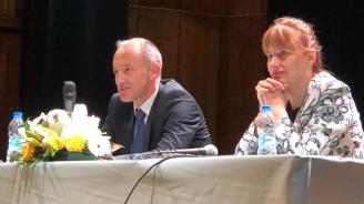 За модерна професионална гимназия и филиал на Медицинския университет ще работи кандидат-кметът на Добрич от ГЕРБ Надежда Петкова
