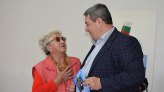 Кандидатът на ГЕРБ за кмет на Г. Оряховица Добромир Добрев гостува в Клуба на пенсионера в с. Първомайци