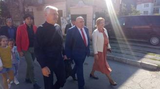 Красимир Велчев и кандидатът за кмет на Радомир Пламен Алексиев бяха гости на традиционния празник на бозата