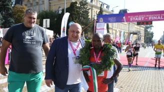 Министър Кралев награди победителите в Софийския маратон