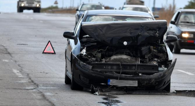 Шестима души загинаха при тежка катастрофа на пътя между Габрово