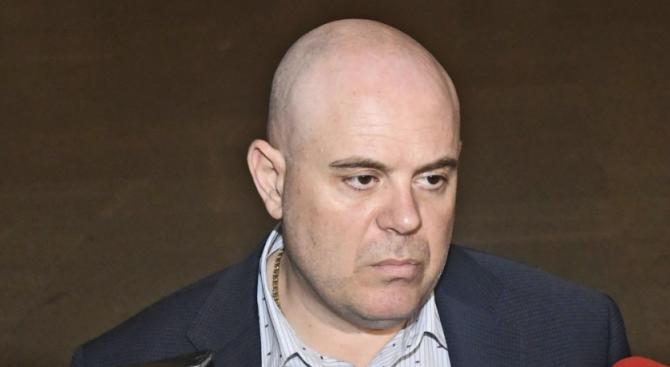 Българският хелзинкски комитет е отправил десет въпроса към единствения номиниран