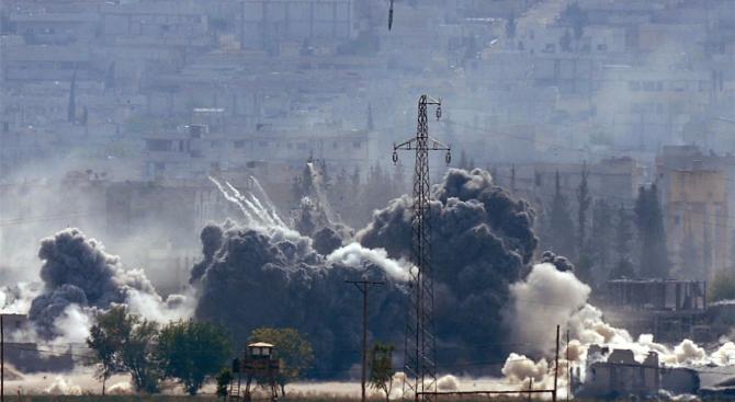 Трима цивилни са убити при въздушен удар в Триполи