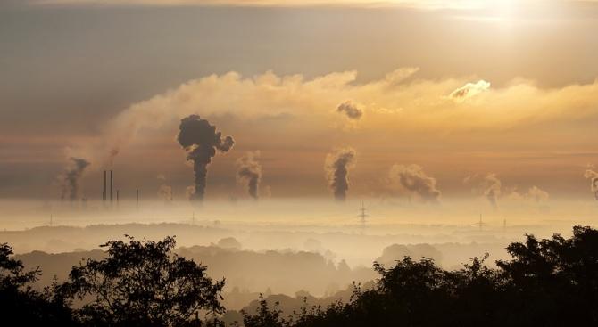 Завишени нива на атмосферните замърсители - като азотни оксиди и