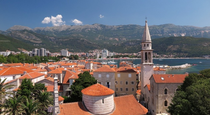 Черна гора въведе забрана за работа в неделя на търговските