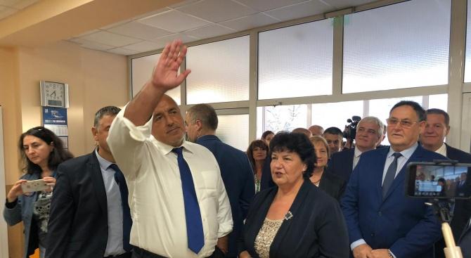 Борисов: Работим по вдигането на доходите на сестрите и акушерките