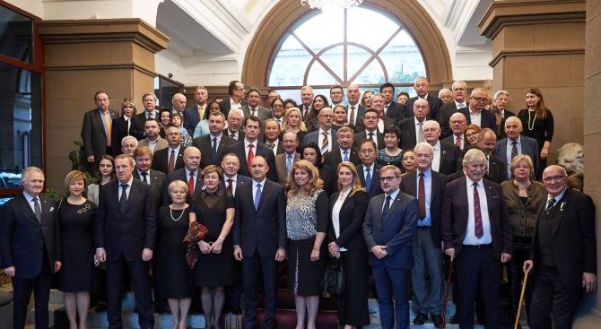 Румен Радевблагодари на почетните консули на България за дейността им и ги увери в институционална подкрепа