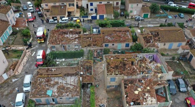 Петима души пострадаха при торнадо в района на френския град