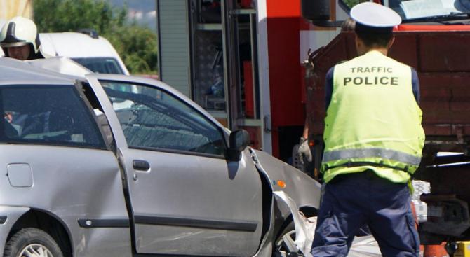 15-годишно момиче е пострадало при катастрофа във Враца. Това съобщиха
