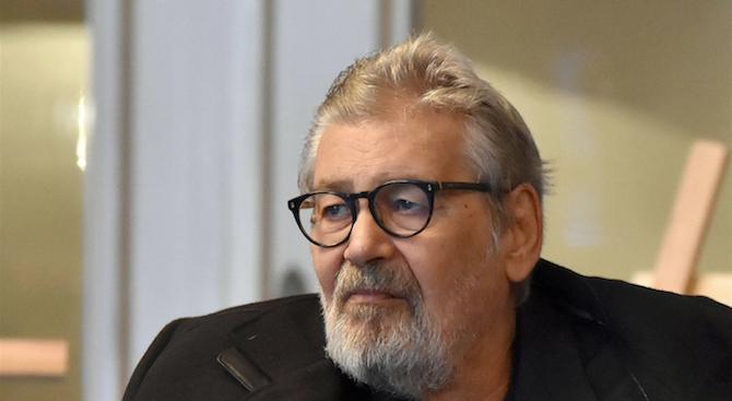 Стефан Данаилов е поставен в изкуствена кома, съобщава Нова телевизия.