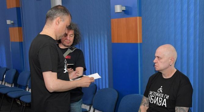 """Бившият шоумен Слави Трифонов придоби телевизия """"Стара Загора"""". Фирмата, която"""
