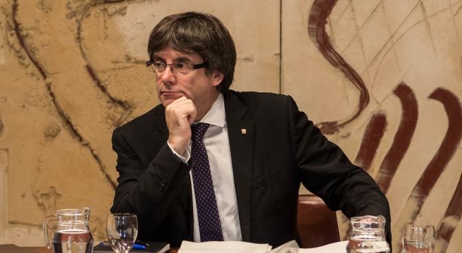 Бивш каталунски лидер се е предал на белгийските власти