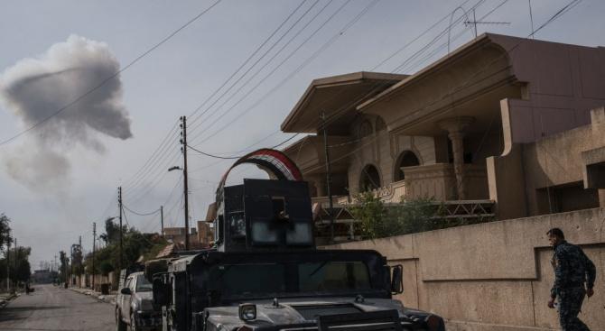 Най-малко 31 души са загинали след ракетни удари срещу джамия