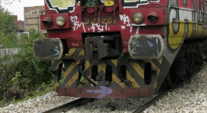Катастрофа на жп прелез забавя влакове по трасето София-Варна