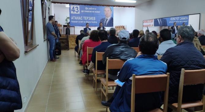 Атанас Терзиев, кандидат за кмет на община Несебър, и кандидатите