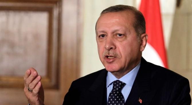 """Турският президент Ердоган заяви, че ще """"разбие главите"""" на кюрдските"""