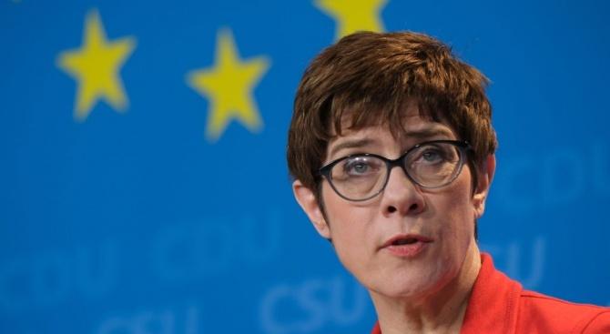 Германският министър на отбраната остро разкритикува Турция и САЩ