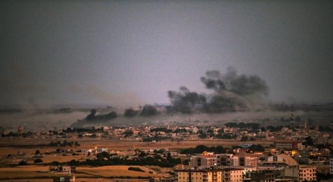 Конвой, превозващ ранени и бойци от Сирийските демократични сили (СДС),
