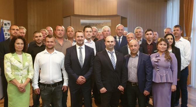 Общинският лидер нa ГЕРБ в Поморие Адам Адамов на официално