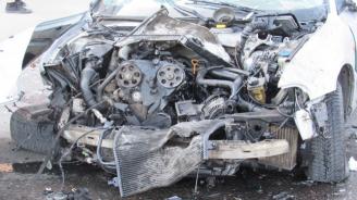 Катастрофа със значителни материални щети в Червен бряг