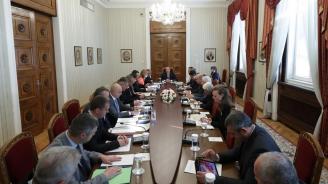 Радев призова правителството да постави в Съвета на ЕС въпроса за приемане на план за действие в случай на миграционен натиск