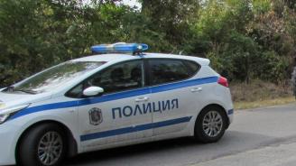 Катастрофа между кола и товарен автомобил край Кърджали