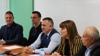 """Обновяване на спортни обекти и лифта на """"Карандила"""" обещаха от ГЕРБ в Сливен"""