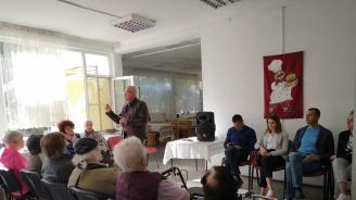 """Кандидатът за кмет на район """"Студентски"""" от ГЕРБ /СДС/ Димитър Дилчев се срещна с възрастни хора от района"""