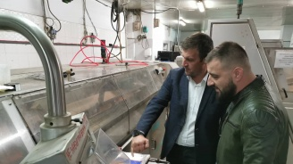 Кандидат-кметът Станислав Дечев посети най-голямата фирма за производство на хляб и хлебни изделия в Хасково