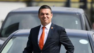 Like във Facebook може да запали скандал на Балканите